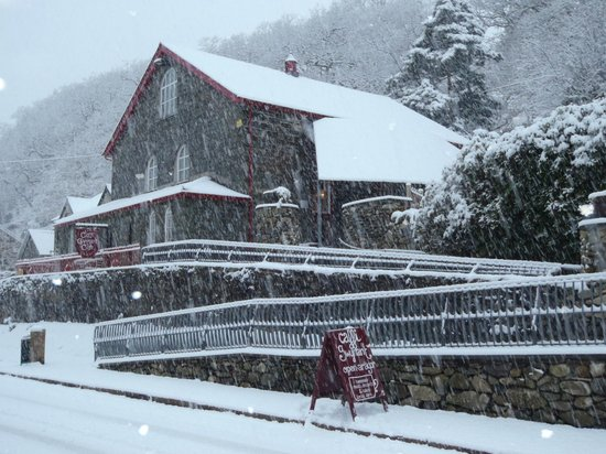 Caffi Gwynant in the snow