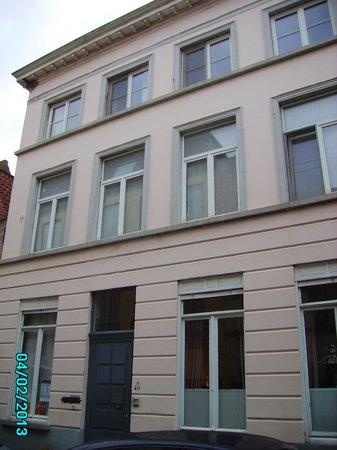Dieltiens Gastenkamers Guestrooms:                   Koen Dieltiens B&B Bruges