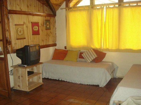 Cabanas Cerro Amigo: Sala de estar