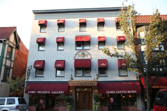 James Gettys Hotel:                   The hotel from the street