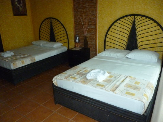 Pacific Paradise Resort: Queen Size Bed