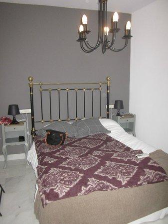 Apartamentos Mariscal:                   master bedroom