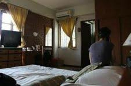 Galare Guest House:                                     spacious room