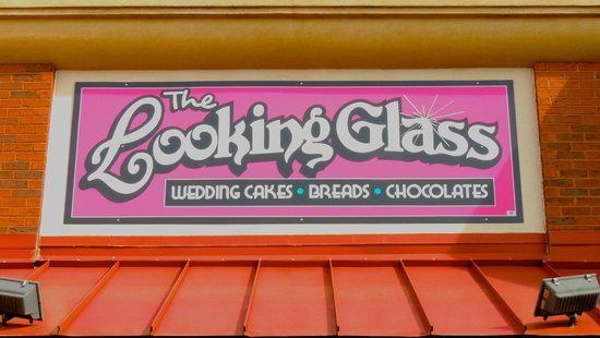 Looking Glass Restaurant: Sign