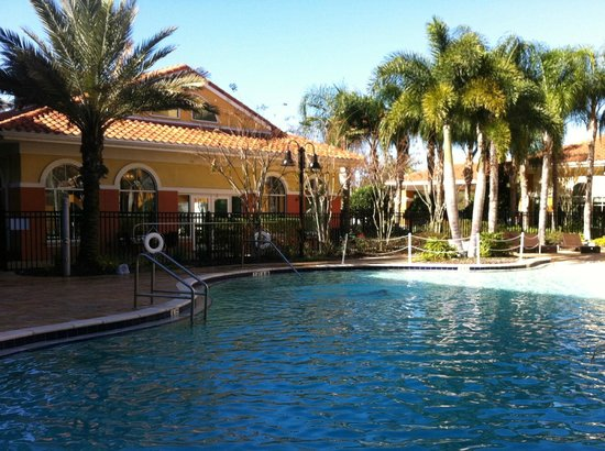 Homewood Suites by Hilton Lake Buena Vista-Orlando: Pool area at Homewood Suites Lake Buena Vista-Orlando