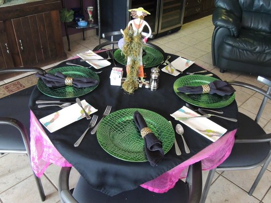 Looking Glass Restaurant: Table Setting