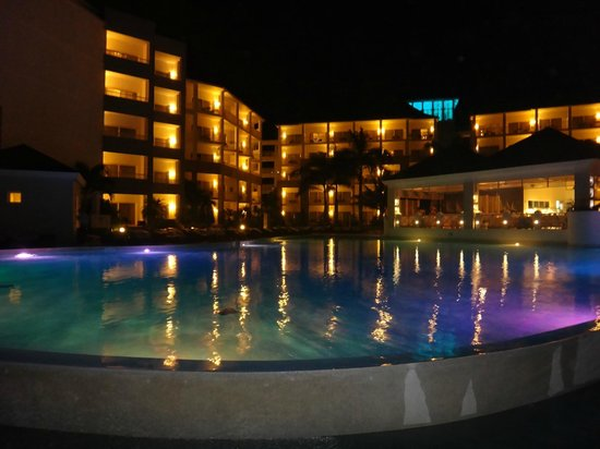 ‪‪Secrets St. James Montego Bay‬: pool at night‬