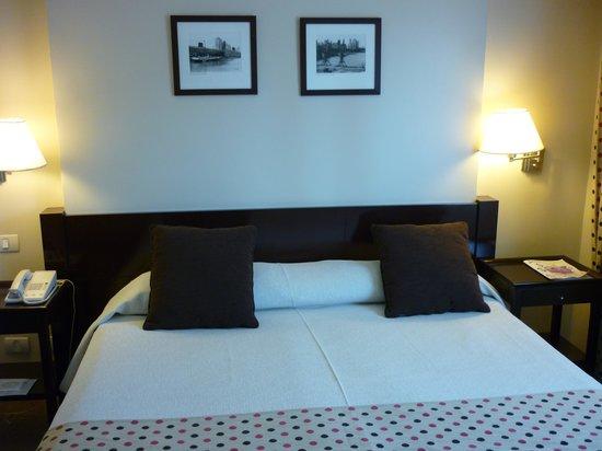 Kenton Palace Hotel:                   Habitacion