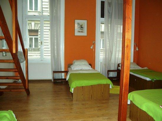 Njoy Budapest Hostel: Beds