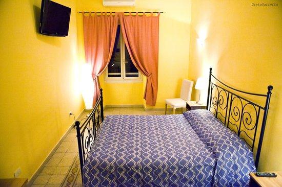 Rossana Guest House è l'ideale sia per soggiorni turistici, sia per viaggi di lavoro a Roma.