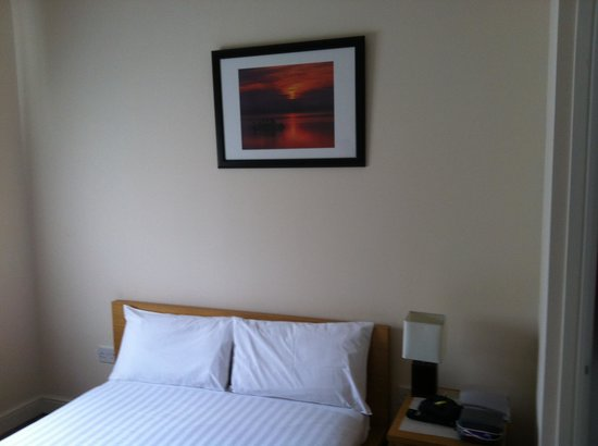 Clapham Guest House :                   Room 3