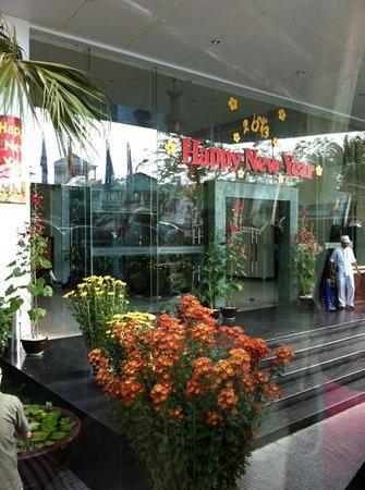 Mondial Hotel Hue:                   préparatif de la fête du thet