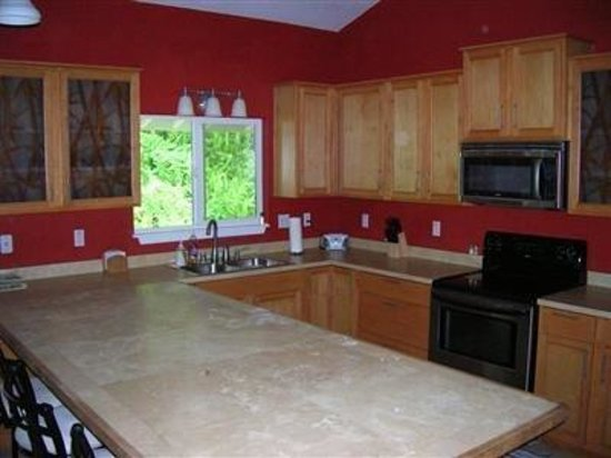 Lava Flow Lodge: Interior Dining