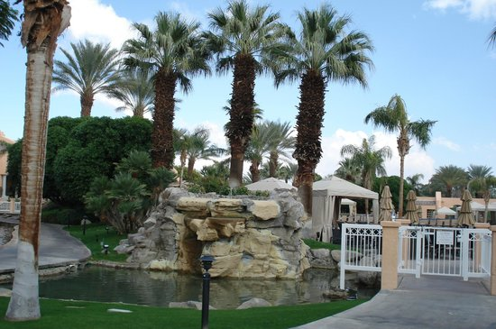 Westin Mission Hills Golf Resort & Spa:                   waterfalls near pool