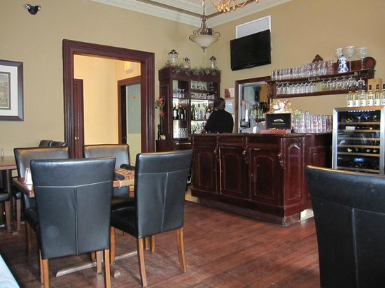 Puddicombe House:                   Bar in the dining room