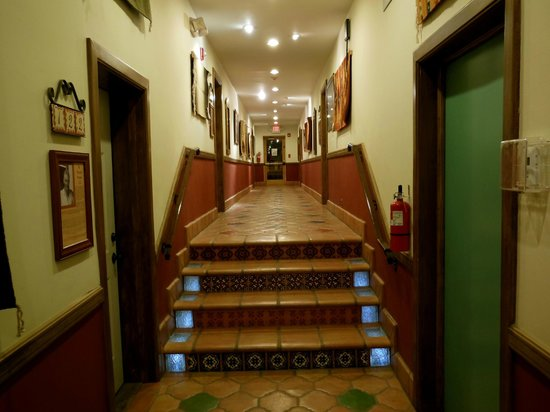 La Posada Hotel: another renovated hall