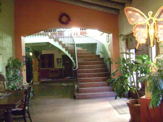 La Posada Hotel:                   Stairs to second floor