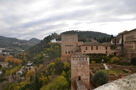 Parador de Granada:                   el recinto de la alhambra donde se encuentra el parador