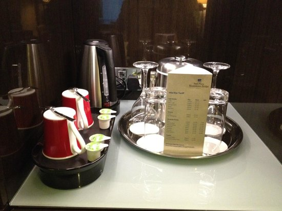 Park Plaza Westminster Bridge London:                   紅茶のティーバッグが用意されていました