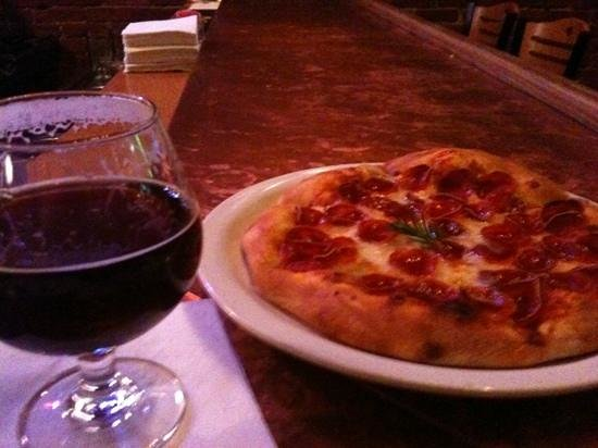 ‪‪Marietta Brewing Company‬:                   beer & pizza. can't go wrong