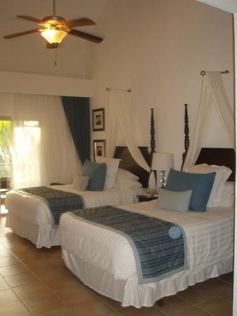 Dreams Palm Beach Punta Cana:                   Double beds, comfy room