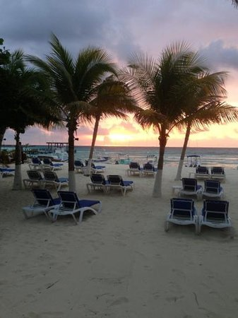 Hotel Playa Palms:                                                       sunrise