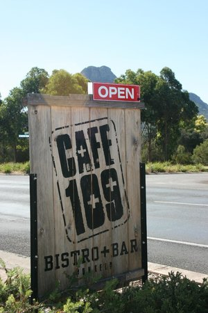 Cafe 109: Location
