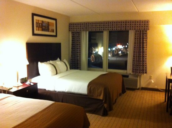 Holiday Inn Berkshires: Room with two beds