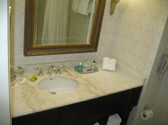 Willard InterContinental Washington:                   Bathroom