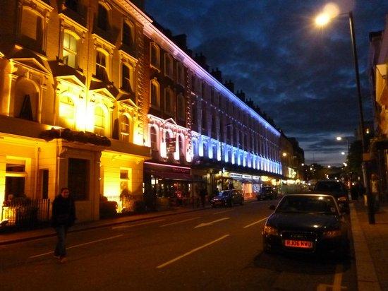 Europa House Hotel:                   El barrio