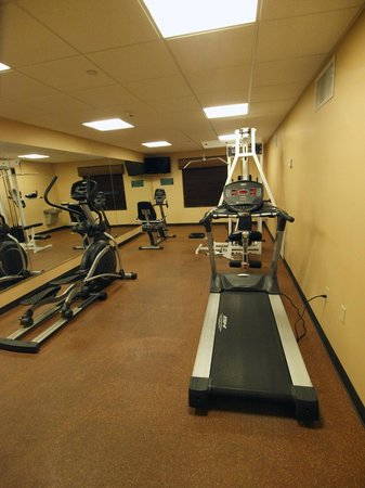 La Quinta Inn & Suites Ely:                   Work out!