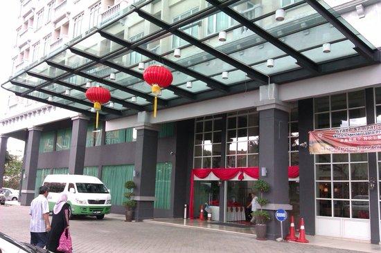 Grand Kampar Hotel: Entrance