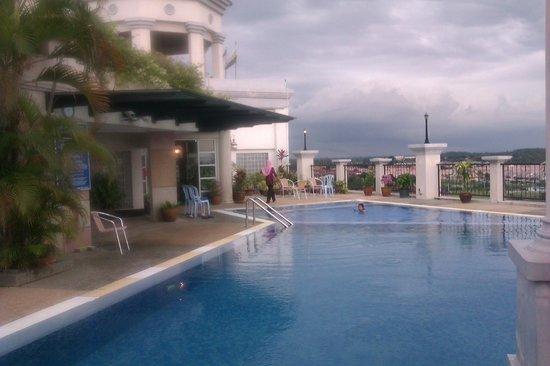 Grand Kampar Hotel: Swimming pool