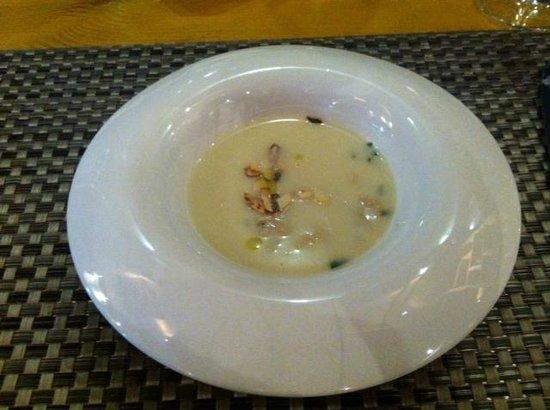 Locanda Rossi:                   Asparagus and clamp soup