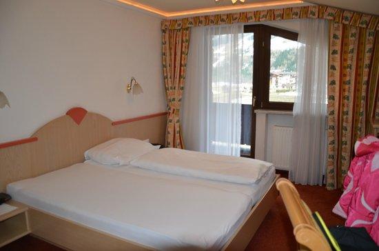Hotel Maximilian:                   Zimmer