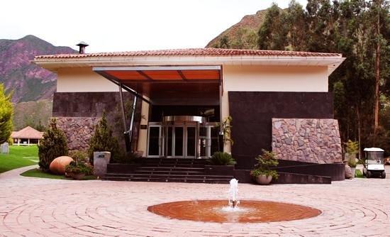 ارانوا سكاريد فالي:                                                       entrada el hotel                        
