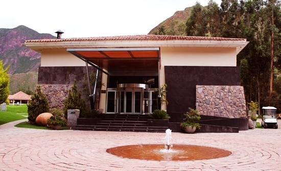 Aranwa Sacred Valley Hotel & Wellness:                                                       entrada el hotel