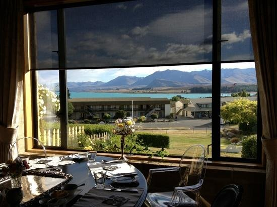 Lake Tekapo Lodge:                   breakfast ...