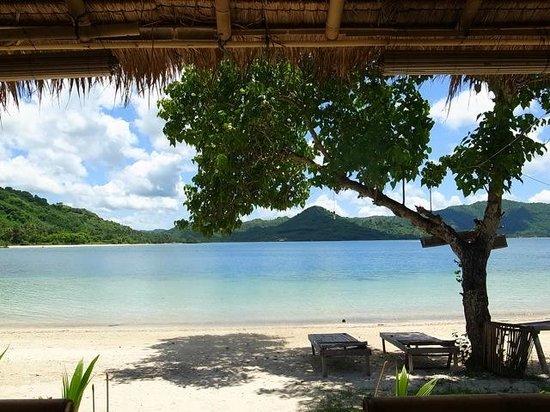 Cocotinos Sekotong, Boutique Beach Resort & Spa:                   これもアイランドホッピングで訪れるギリTANGKONGのレストランからの眺め