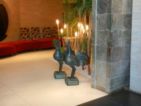 Tribe Hotel:                   zona ristorante