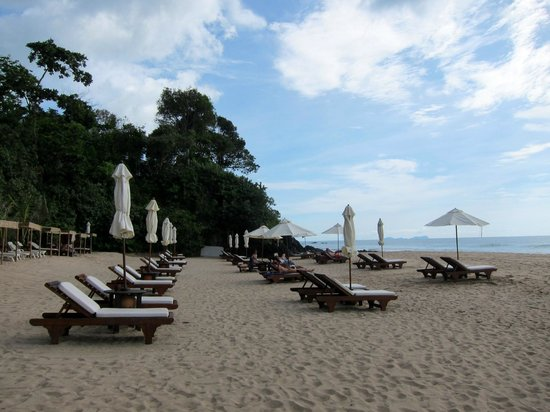 Pimalai Resort and Spa: Beach chairs