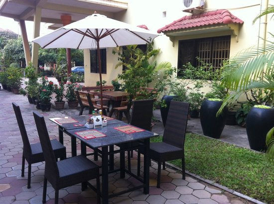 Check Inn Siem Reap:                   Just enjoy my breakfast at a open air of space