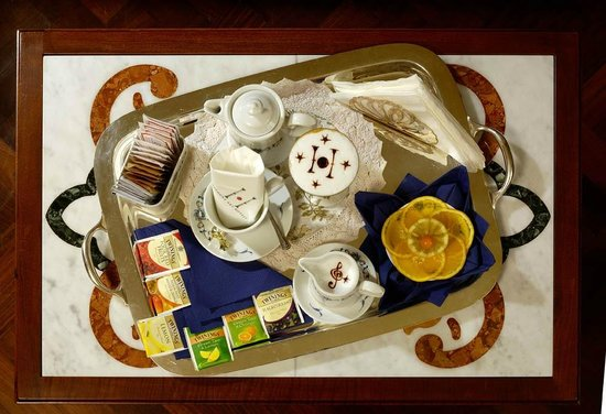 Art Hotel Commercianti: Prima colazione servita in camera