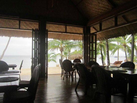 Salamandas:                   Youcan see teh beach and sea from your table!