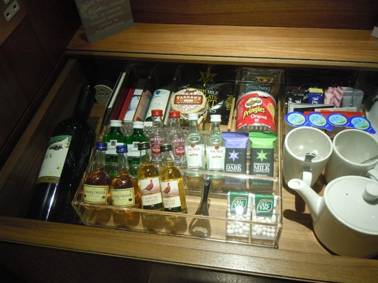 Rudding Park Hotel: Mini Bar 1