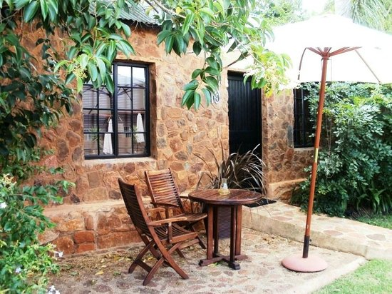 Khayamanzi Guesthouse: Outdoors/Garden