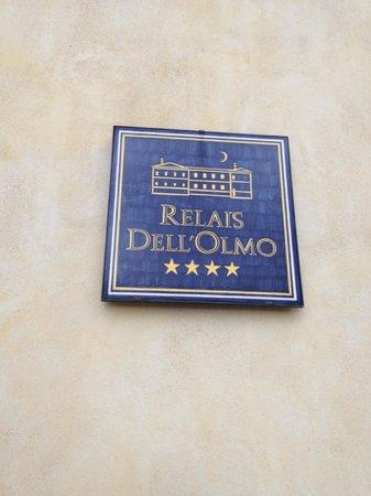 Relais Dell'Olmo: si entra....