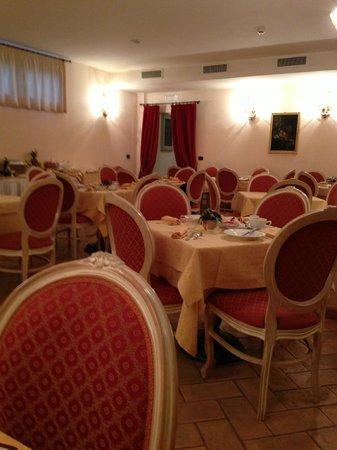 Relais Dell'Olmo: sala per il buffet