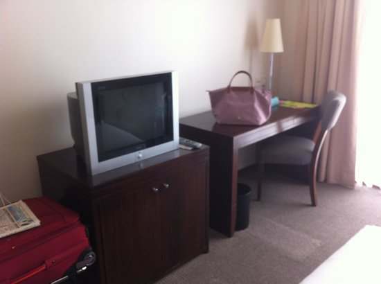 Capitol Hotel:                   Not flat screen