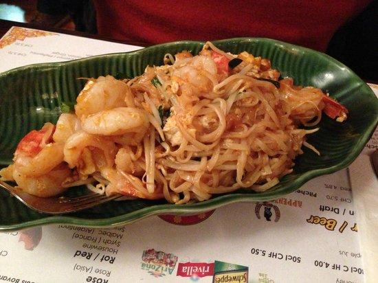 Restaurant Little Thai:                   Reisbandnudeln mit Garnelen